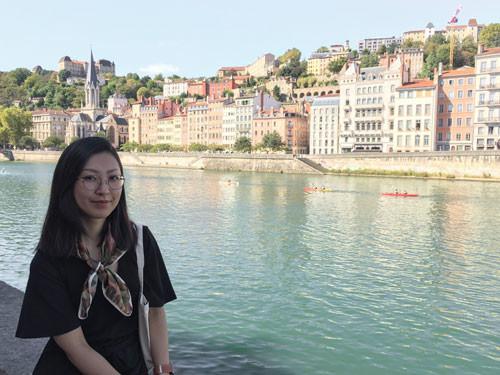 By river Saône